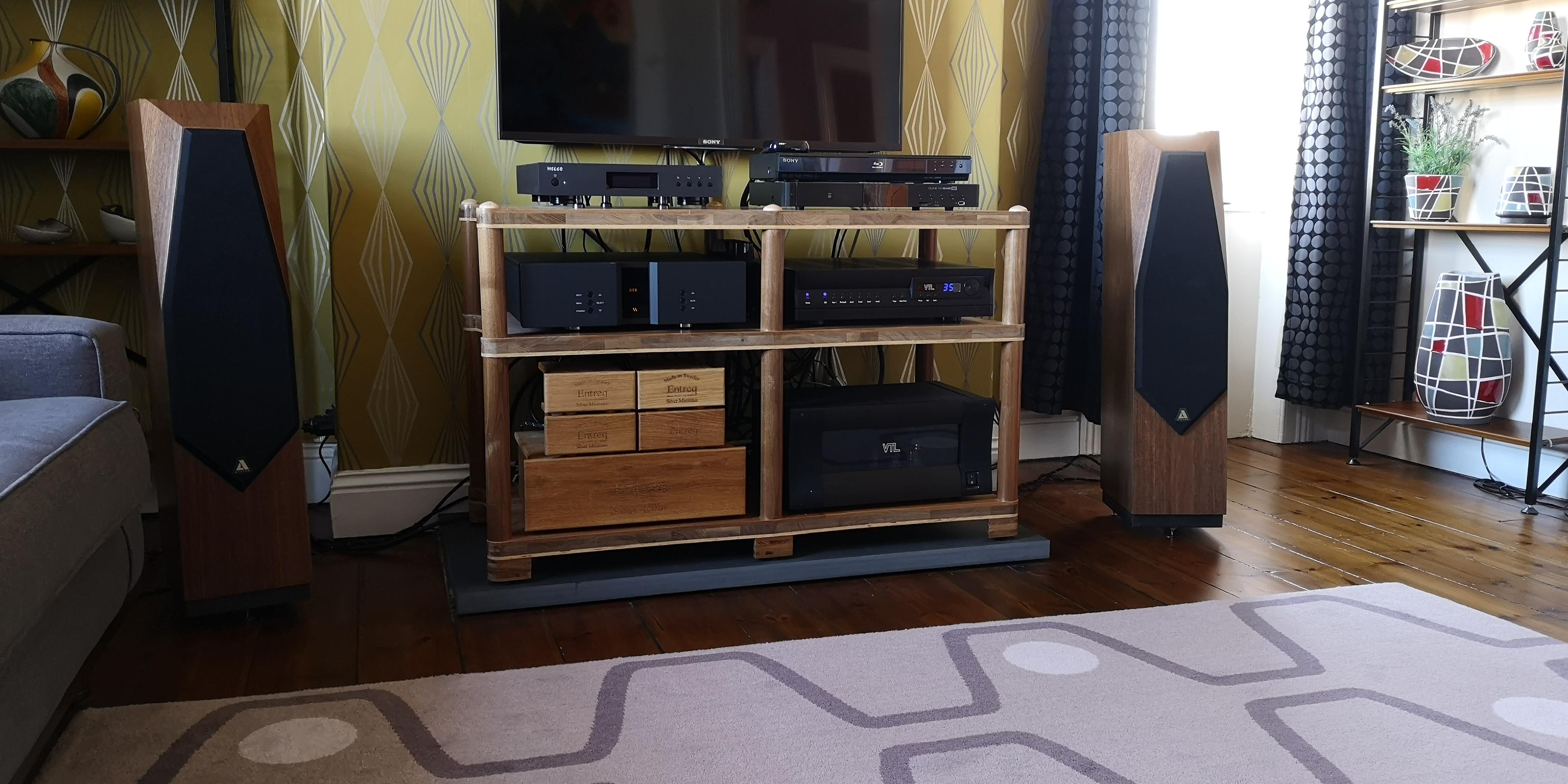 Avalon Acoustics Idea @ Audio Therapy